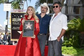 Carrie Underwood gets Hollywood Walk of Fame star