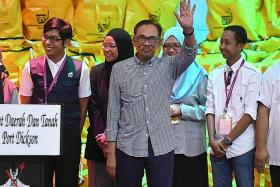 Anwar says Mahathir 'extremely pleased' with by-election result