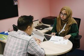 Career coaches give boost to job hunters