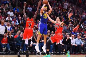Thompson sets NBA 3-point record