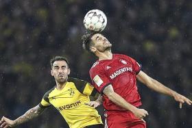 Dortmund deserve to win 'crazy game': Favre