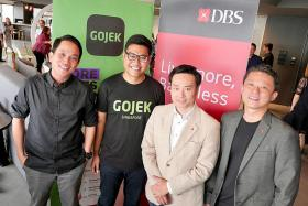 Gojek starts to roll out in Singapore with beta app