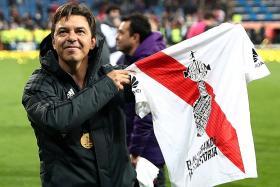 Europe beckons for River Plate coach Gallardo