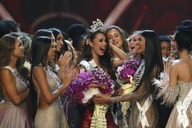 Miss Philippines wins 2018 Miss Universe crown