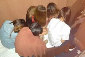 Seven women arrested in operation against massage establishments