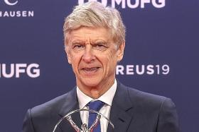Mourinho pays glowing tribute to old enemy Wenger