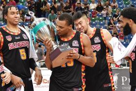 Slingers close in on second spot