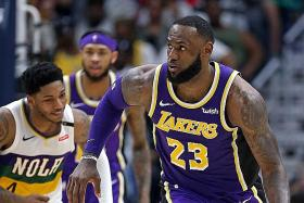 James criticises the Lakers