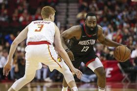 Harden's 30-point streak ends, but Rockets win
