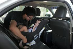 Many parents not using car restraints for kids