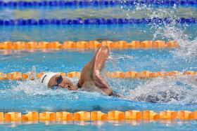 Ting Wen goes under 55sec in 100m free