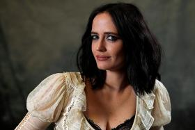 Eva Green pushes herself to new heights with Dumbo