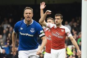 Neil Humphreys: Arsenal do not deserve top-four spot