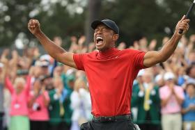 Leonard Thomas: Tiger in Sunday red is menacing, again