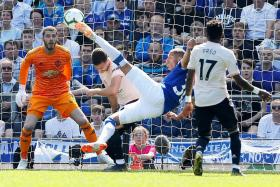 Neil Humphreys: Don't be stupid and lose your minds, United