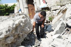 New quake strikes as Philippines hunts for survivors