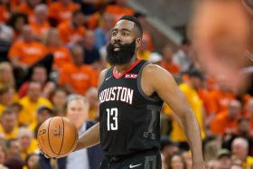 Draymond Green defends referees after James Harden's criticisms