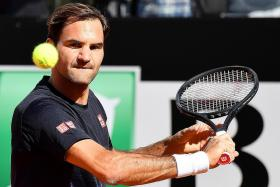 Roger Federer back in Rome, with eye on French Open