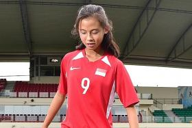 Danelle Tan, 14, to give her football dreams the old college try