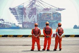 China exports rebound, imports sink