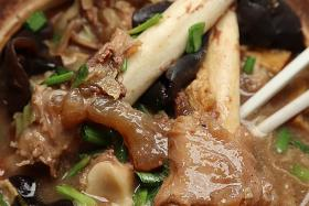 Makansutra: Authentic Hainanese herbal mutton soup