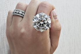 Feast your eyes on $3 million, 27-carat diamond ring at SIJE