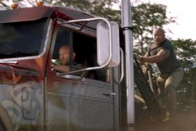 Jason Statham and Dwayne Johnson in Fast & Furious: Hobbs & Shaw