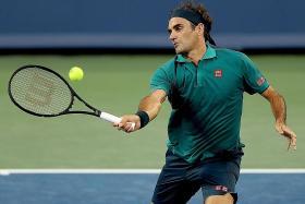 Roger Federer, Novak Djokovic cruise in Cincinnati