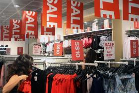 Retails sales fall 1.8% to $3.6 billion in July