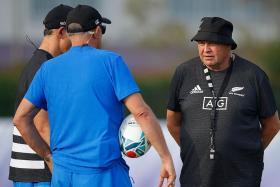 Lay off the ref, All Blacks coach Steve Hansen warns Springboks
