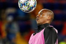 Pep Guardiola banking on Fernandinho to solve centre-back conundrum