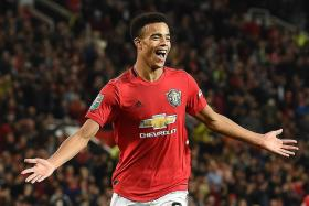 Richard Buxton: Little between Red Devils and Gunners