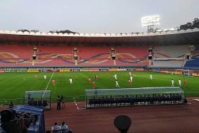 No fans and no TV as Koreas draw 0-0