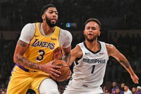 Anthony Davis dazzles as LA Lakers rout Memphis Grizzlies