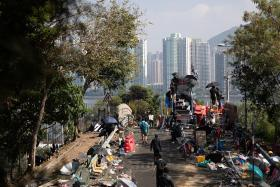 All schools closed, students from China flee HK campuses