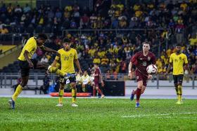 Mohamadou Sumareh helps Malaysia sink Thailand