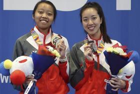 Teenage fencer Kiria Tikanah wins gold on her SEA Games debut