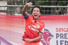 Kyoga Nakamura, who scored seven goals for Albirex Niigata this year, was also nominated for the Young Player of the Year and Goal of the Year awards.