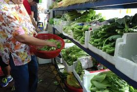 Monsoon rains drive up prices of some vegetables from Malaysia