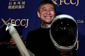 Wanted: Girlfriend to fly to the Moon with Japanese billionaire