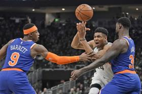 Milwaukee Bucks star shows no mercy in New York Knicks rout