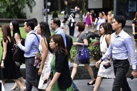 3 in 4 PMET jobs in growth sectors filled by Singaporeans, PRs