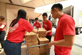 OCBC workers to give food, cards to healthcare staff