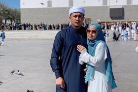 Saudi Arabia halts umrah pilgrimage trips for visitors