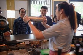10,000 workers in retail and F&B to benefit from training package
