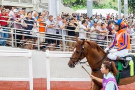 Punters can no longer gather in groups for races and draws