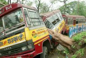 Cyclone kills at least 82 in India and Bangladesh
