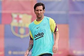 Richard Buxton: All of Barca waiting for Messi to sign an extension