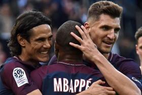 Edinson Cavani (left) and Thomas Meunier's (right) Paris Saint-Germain contracts expire on June 30.