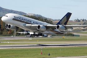 Singapore Airlines expects operating loss for Q1
